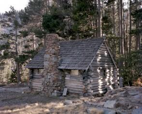 1906 Log Cabin