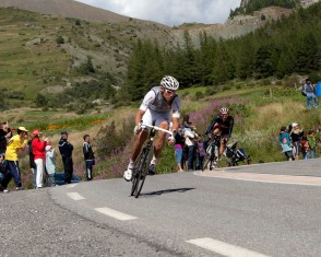 Thor Hushovd Descends the Col D'izoard